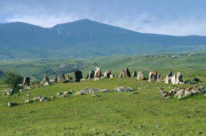 s12137623Karaundz-armensky-Stonehenge-ob