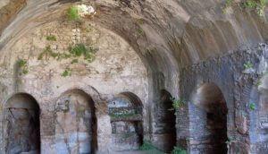 Jeskyně, kde s epříběh odehrál